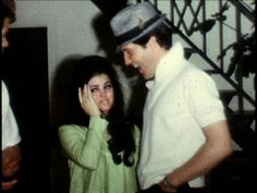 Elvis threw Priscilla a surprise birthday party at Graceland. He had told her to get dressed because they where going to watch a movie. Elvis And Priscilla, Priscilla Presley, Lisa Marie Presley, Elvis Presley Family, Elvis Presley Photos, Great Love Stories, Love Story, Memphis Tennessee, Famous Couples