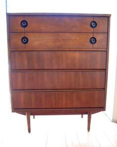Mid-Century Stanley Dresser