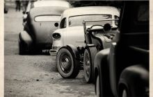 hot rod, muscle cars, rat rods and girls Best Car Photo, Vintage Cars, Antique Cars, Vintage Photos, Good Looking Cars, Traditional Hot Rod, American Auto, Rockabilly Pin Up, Us Cars