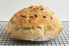 The bread is so tasty, and it's even better toasted the next day! Dutch Oven Bread, Dutch Oven Recipes, Bread Recipes, Sicilian Recipes, Jamaican Recipes, Sunflower Seed Bread Recipe, Yandex, Wow Recipe, No Knead Bread
