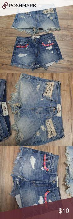 2 Hollister size 00 w23 denim short shorts Distressed with decorative elements Hollister Shorts