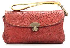 WRISTLET: Die kleine Tasche, welche der Clutch sehr ähnelt, eigenet sich für jeden Anlass und kann dank der Schlaufe am Handgelenk baumeln.