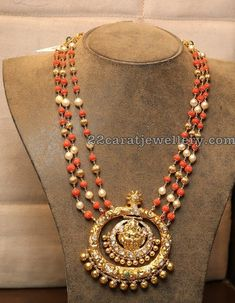 Coral Beads Set From Hiya Jewellers Indian Wedding Jewelry, Indian Jewelry, Bridal Jewelry, Indian Necklace, Gold Jewellery Design, Bead Jewellery, Beaded Jewelry, Coral Jewelry, Gemstone Jewelry