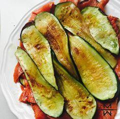 Okay, dit 'No-bread-veggie-salmon-sandwich' recept is echt een van de beste en… Salmon Sandwich, Sandwiches, Low Carb Lunch, Pesto Pasta, Fish Dishes, Superfood, Good Food, Paleo, Healthy Recipes