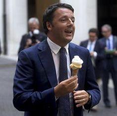 Matteo Renzi a Palazzo Chigi con il gelato di Grom