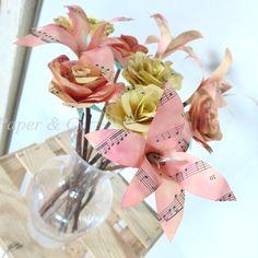Bouquet de roses & lys jaune et orange en papier