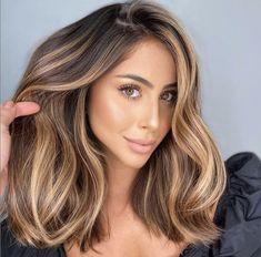 Brunette Hair With Highlights, Brown Hair Balayage, Balayage Brunette, Hair Color And Cut, Brown Hair Colors, Hair Colour, Hair Affair, Hair Dos, Gorgeous Hair
