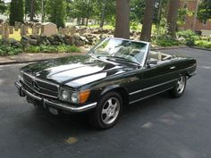 1973 mercedes benz   Daddy's old car, only his was BLUE<3