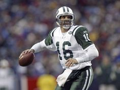 Vinny Testaverde, former football quarterback best know for playing with the New York Jets, grew up in Elmont and graduated from Sewanhaka High School in Floral Park.