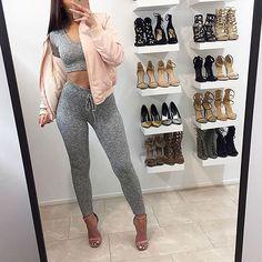 "27.5 k gilla-markeringar, 81 kommentarer - FashionNova.com (@fashionnova) på Instagram: ""❤️MUST HAVES❤️ Swipe Left To See More⠀ Search: ""Wanderlust Hoodie""  Search: ""Wanderlust Legging""…"""