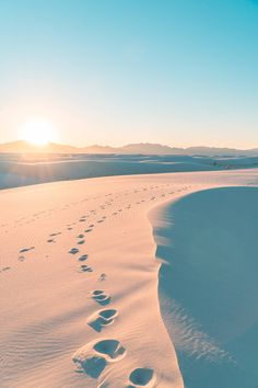 I hiked these dunes for hours with a compass. White Sands New Mexico USA [OC][4000x6000] hansiphoto http://ift.tt/2oqDc0z April 02 2017 at 01:40PMon reddit.com/r/ EarthPorn
