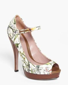 I saw you and i knew. You will be mine;-)  Gucci Multicolor Lisbeth Pump