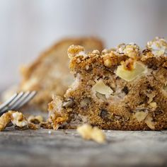 Make the house smell amazing with warm apple cake! Ingredients 4 Organic Green Apples cup of Flannerys Walnuts - chopped cup Flannerys Organic Walnut Cake, House Smells, Apple Cake, Muffin, Breakfast, Food, Morning Coffee, Muffins, Cupcake