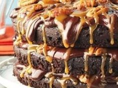 Cheesy Pull-Apart Bread – What2Cook Chocolate Chip Pound Cake, Chocolate Frosting, Chocolate Coffee, Cheesy Pull Apart Bread, Creamsicle Cake, Sour Cream Pound Cake, Ice Cream Toppings, Pound Cake Recipes, Lemon Recipes