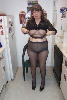 Nude single girls in la