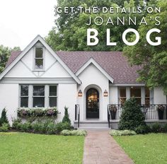 House beautiful paint colors fixer upper 35 ideas for 2019 Tudor Cottage, Cottage Homes, Modern Cottage, Style At Home, Tudor Style Homes, Tudor Homes, Cottage Exterior, Tudor House Exterior, Cute House