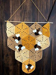 Beehive Banner – STUFF STEPH MAKES Crochet Butterfly Pattern, Crochet Bee, Crochet Afgans, Crochet Amigurumi Free Patterns, Granny Square Crochet Pattern, Crochet Cross, Crochet Stitches Patterns, Cute Crochet, Crochet House