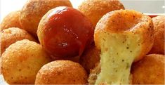 The easiest cheese ball to make - Aperitivos****Appetizers - I Love Food, Good Food, Yummy Food, Brazil Food, Food Porn, Salty Foods, Snacks Für Party, Portuguese Recipes, Food And Drink