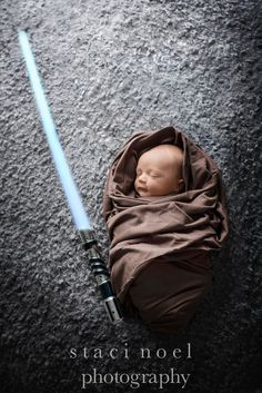 newborn photography Star Wars session, baby Jedi. http://www.stacinoelphotography.com. Charlotte newborn photographer