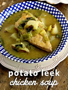 This Potato Leek Chicken Soup Recipe by looks divine! We want to try this for dinner! Chicken Recipes List, Whole Food Recipes, Healthy Recipes, Drink Recipes, Healthy Foods, New Recipes For Dinner, Summer Recipes, Bowl Of Soup, Soup And Salad
