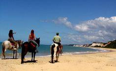 Cavalgada promovida pelo Arraial D'Ajuda Eco Resort