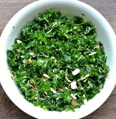 Simple Kale Salad with Lemon Vinaigrette isa healthy addition to lunch or dinner. Added sliced almonds and parmesan cheese pair perfectly with the tangy lemon dressing. Tuscan Kale Salad Recipe, Kale Salad Recipes, Broccoli Recipe For Toddlers, Vegetarian Broccoli Recipes, Broccoli Salad With Raisins, Lemon Vinaigrette Dressing, Low Carb Sweet Potato, Low Carb Meats, Dinner Casserole Recipes