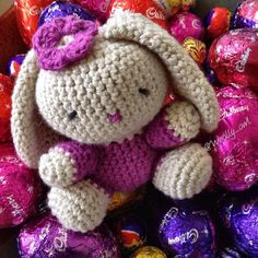 Happy Easter Instagrammers  Bunny pattern by Laura from @happyberrycrochet . #amigurumi #amigurumibunny #igcrochet #ilovecrochet #crochetersofinstagram #instacrochet #easterbunny #crochet #crochetlove #bhooked #craftastherapy #crochetgirlgang by woolly_owl