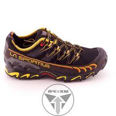 Zapatillas de trail - running para corredores de hasta 85 - 90 Kilos con pisad neutra.   Diseñadas para correr largas distancias y ultras.   Perfecta para las carreras por montaña más exigentes gracias a su taqueado en la suela que propociona un agarre excepcional incluso en zonas rocosas. http://acuatrosport.com/producto/_/zapatillas-de-trail-running-la-sportiva-ultra-raptor-negro-hombre-unisex.html