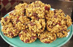 This is an easy snack recipe that's perfect as an after-school treat for kids. It's made in a muffin tin and will be quick to throw together.    Ingredients:    1/3 cup light peanut butter  1/3 cup pure maple syrup  2 egg whites  1 tsp pumpkin pie spice  2½ cups low-fat granola  ¾ cup dried cranberries    Instructions:        Preheat oven to 250°F. Spray a 12-cup muffin tin with cooking spray and set aside.      In a medium bowl, beat together peanut butter and maple syrup on medium speed of...