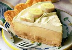 Classic Banana Cream Pie: Olof , this is for bill Just Desserts, Delicious Desserts, Yummy Food, Pie Dessert, Dessert Recipes, Brunch, Cream Pie Recipes, Comida Latina, Butter Pie