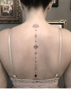 Tattoo Back Of Neck Unalome - Tattoo Tattoos For Girls, Girl Spine Tattoos, Spine Tattoos For Women, Back Tattoos, Mini Tattoos, Tattoos For Women Small, Leg Tattoos, Body Art Tattoos, Small Tattoos