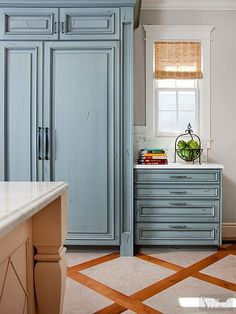 Just because it's trending doesn't mean it's not timeless. These gorgeous kitchen trends -- including minimal upper cabinetry, sparkling quartz counters, and one-of-a-kind ceiling treatments -- are guaranteed to stand the test of time.