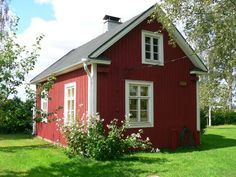 grandma's cottage Finland Scandinavian Cottage, Swedish Cottage, Red Cottage, Cottage Plan, Tiny House Exterior, Cottage Exterior, Red Houses, Little Houses, Summer Cabins