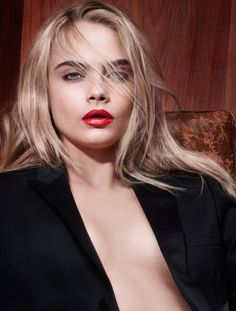 Cara Delevingne para YSL Rouge Pur Couture