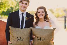 mr and mrs pillows | VIA #WEDDINGPINS.NET