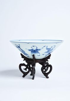 Important Chinese Blue & White EggShell Procelain Bowl Late Qing Dynasty With Wooden Stand. size : H 6CM W 16 CM