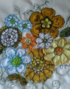 Freestyle machine embroidery, multiple floral motifs collaborating in a single design.Very natural colours/shades : blues, yellows and greens. Varying fabrics using a clear running stitch. Freehand Machine Embroidery, Free Motion Embroidery, Machine Embroidery Applique, Free Motion Quilting, Applique Quilts, Machine Quilting, Thread Art, Thread Painting, Fabric Yarn