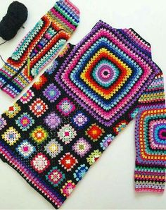 Crochet granny square clothes ganchillo Ideas for 2020 Hippie Crochet, Crochet Daisy, Mode Crochet, Crochet Granny, Irish Crochet, Hand Crochet, Diy Crafts Knitting, Diy Crafts Crochet, Crochet Projects