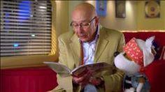 Boris de Ashley Spires, raconté par François Dompierre 12:00 Résumé: Voici l'histoire drôle et attendrissante d'un gentil Sasquatch végétarien qui aime vivre seul et est ravi que personne ne croie à son existence... Mais un jour, une découverte bouleverse sa vie tranquille : il n'est pas le seul Sasquatch au monde! Tout excité à l'idée d'avoir un ami avec qui jouer sur la balançoire à bascule et échanger des conseils d'entretien de fourrure, Boris se déguise et part vérifier cette rumeur.