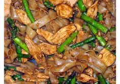 Thai Rice Noodles With Chicken And Asparagus Recipe - Genius Kitchen