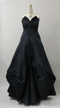 Evening Dress Charles James, 1938 the Metropolitan Museum of Art - OMG that dress!