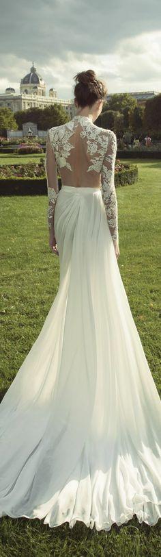 robe-de-mariée-dentelle-et-mousseline-robe-élégante-col-roulé-jupe-fendue