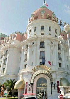 Building Le Negresco hotel, Nice, France