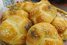 Nadýchané houstičky z Vysočiny od Barušky. Slovak Recipes, Bread Recipes, Bread Rolls, Dumplings, Food And Drink, Pizza, Cookies, Baking, Healthy