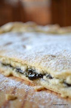 Добавить рецепт в избранное!Этот пирог часто является открытием для тех, кто не знаком с ним с детства. В нём всё просто и в то же время уникально. Во-первых, тесто, которое …
