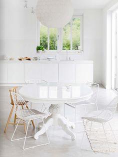 white kitchen / table <3