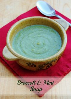 Eats Amazing UK - Simple Pea and Brocolli Soup - so easy that a child can make it - with free downloadable recipe sheet for cooking with your kids