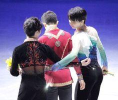 羽生結弦・宇野昌磨がダブル表紙。フィギュアスケート日本男子ファンブッククワドラプルは5月27日に発売   フィギュアスケートまとめ零