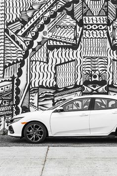Discover our art inside the stylish 2018 Honda Civic Hatchback.