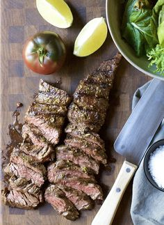 With a simple Carne Asada Marinade with fresh citrus juices and spices, you can make the most delicious Carne Asada recipes! Throw Carne Asada on the grill / BBQ and in less than 15 minutes you'll have dinner! Healthy Grilling Recipes, Grilled Steak Recipes, Beef Recipes, Cooking Recipes, Grilled Meat, Grilling Ideas, T Bone Steak, Easy Make Ahead Appetizers, Tres Leches Cake